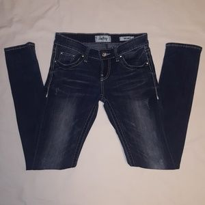 Distressed skinny jeans size 25R